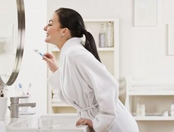 Kokie požymiai išduoda parodontozę?