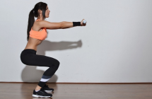 5 geriausi raumenų stiprinimo pratimai nesportuojantiesiems