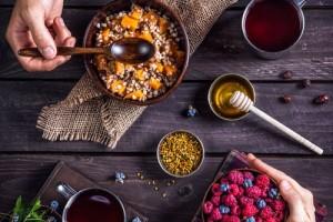 Vitaminai: pirkti, ar bandyti gauti su maistu?