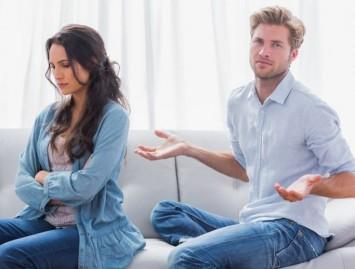 Nenuvertinkite PMS. Grėsmės ir galimas gydymas
