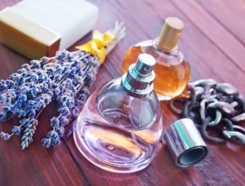 Kvepalų įtaka moters grožiui ir organizmui