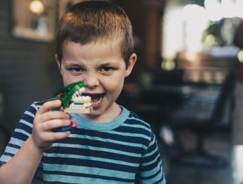Už sveikus mažylių dantis pirmiausiai atsakingi tėvai ir globėjai