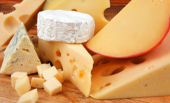 Užkandžiai, reguliuojantys burnos pH, ir fermentinio sūrio nauda