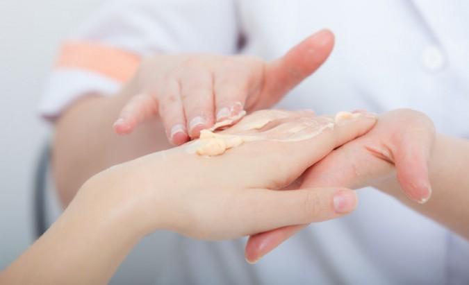 Atopinio dermatito gydymas: kaip kovoti su varginančiais simptomais?