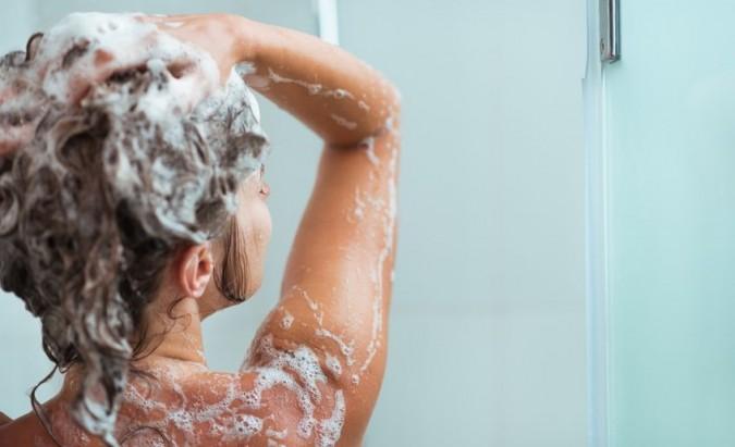 5 priežastys, kodėl vertėtų rinktis šaltą dušą