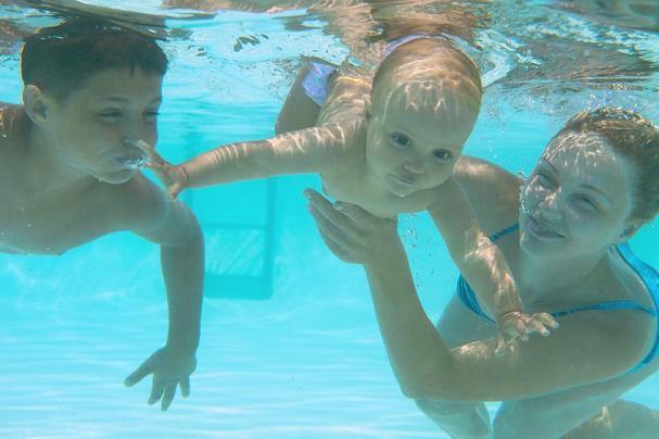 plaukiojimas baseine dėl hipertenzijos vaistas nuo hipertenzijos ir cholesterolio