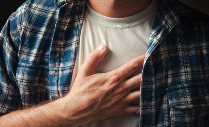 hipertenzija krūtinės skausmas